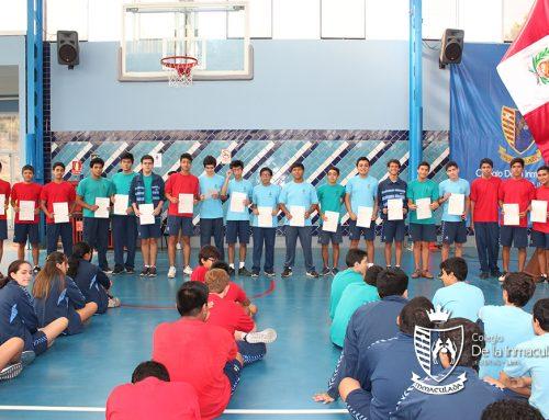 Felicitaciones a nuestros estudiantes que obtuvieron sus certificación Cambridge
